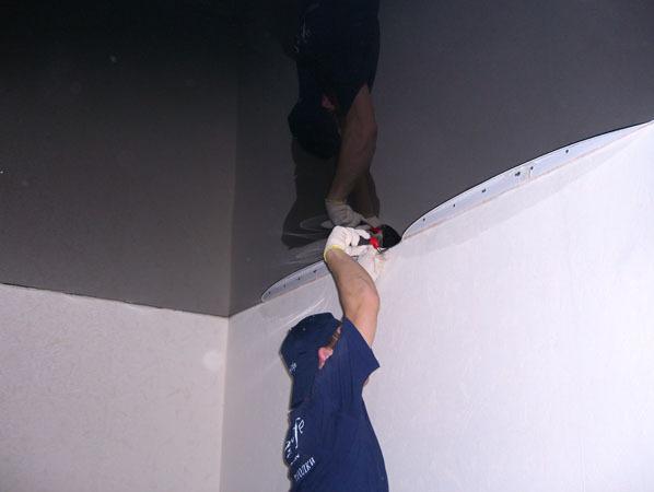 Как своими руками смонтировать натяжной потолок